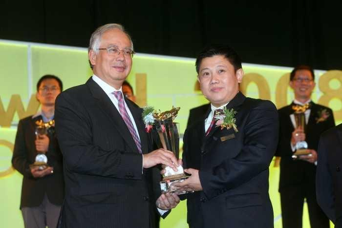 The 6th Malaysia 100 Outstanding SMEs Golden Bull Award 2008,  31.10.2008