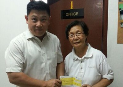 Cheque presented by National President of SBOM, Dato Lee Chee Weng.